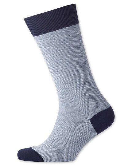 Socken in Blau mit Pfauenaugenmuster