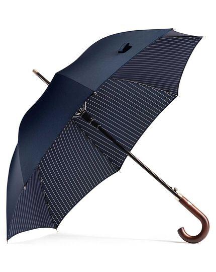 Klassischer Regenschirm in Marineblau mit Nadelstreifen