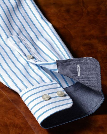 Chemise blanche et bleue en oxford coupe droite à rayures sans repassage