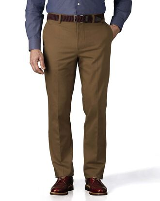 Bügelfreie Slim Fit Chino Hose ohne Bundfalte in Camel