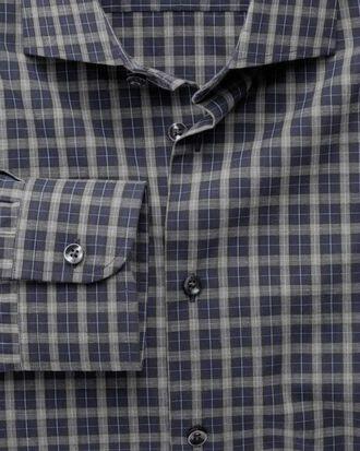 Slim Fit Business-Casual Hemd mit Semi-Haifischkragen in Marineblau und Grau mit Melange-Karos
