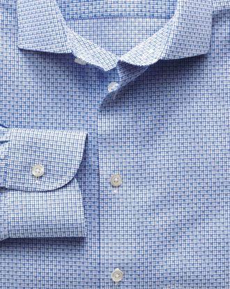 Bügelfreies Extra Slim Fit Business-Casual Hemd mit Semi-Haifischkragen in Himmelblau mit Gitterkaro
