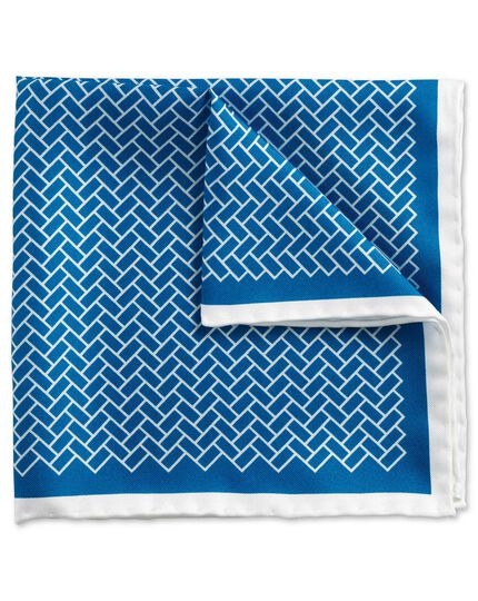 Blue and white classic paved pocket square
