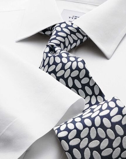 Bügelfreies Slim Fit Popeline-Kurzarmhemd in Weiß