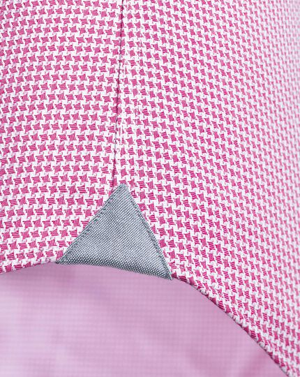Slim fit semi-spread collar business casual non-iron modern textures pink puppytooth shirt