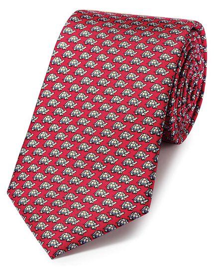 Cravate classique rouge et bleu ciel en soie avec imprimé tortue