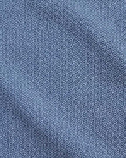 Chemise business casual bleue sans repassage avec col boutonné et coupe droite