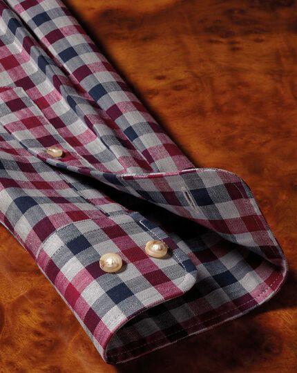 Bügelfreies Extra Slim Fit Twill-Hemd in Rot und Marineblau mit Gingham-Karos