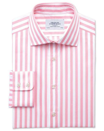 Slim Fit Hemd aus ägyptischer Baumwolle mit Semi-Haifischkragen in Rosa mit Streifen