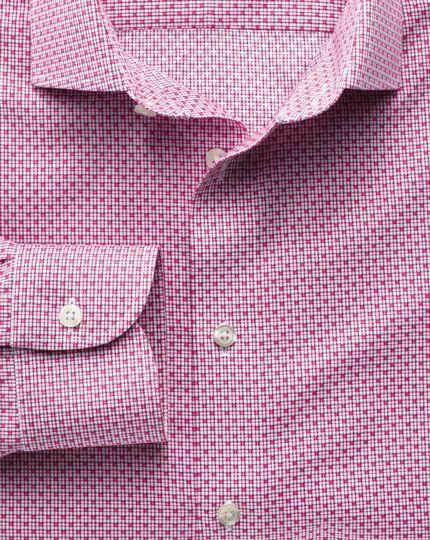 Bügelfreies Slim Fit Business-Casual Hemd mit Semi-Haifischkragen in Magenta mit Gitterkaro