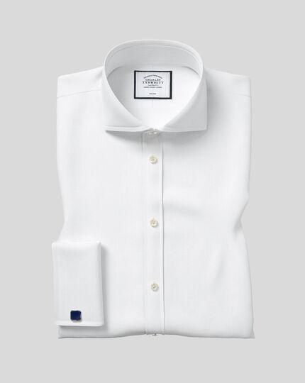 Bügelfreies Extra Slim Fit Twill-Hemd mit Extrem-Haifischkragen in Weiß