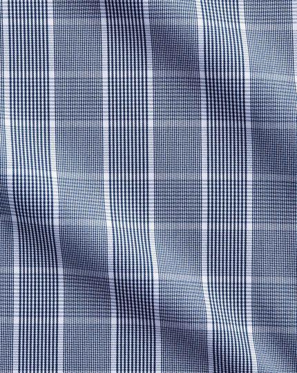 Bügelfreies Classic Fit Hemd mit Button-down Kragen in Marineblau und Weiß mit Mini-Karo