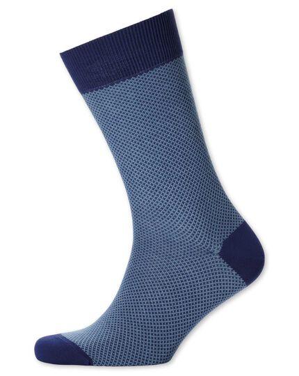 Socken in Blau mit Waffelmuster