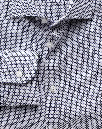Slim Fit Business-Casual Hemd mit Semi-Haifischkragen in Marineblau