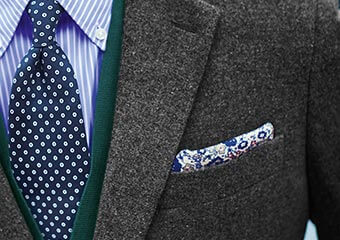 How to fold a square pocket square