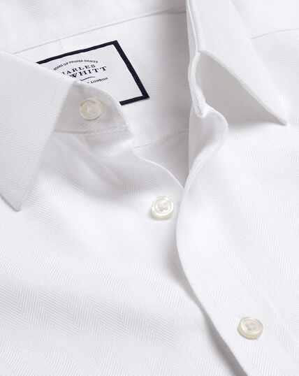 Bügelfreies Hemd mit Fischgrätmuster - Weiß
