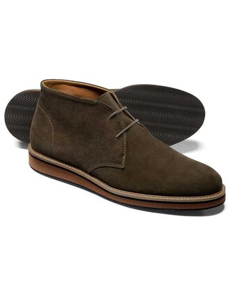 Olive suede lightweight chukka boot