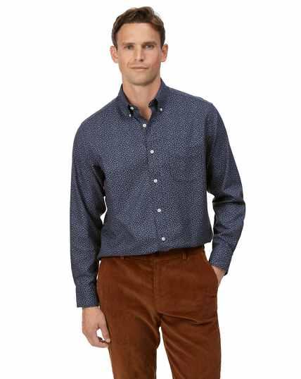 Donkerblauw strijkvrij overhemd van keperstof met bladprint en zachte wassing, klassieke pasvorm