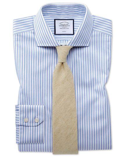Chemise bleu ciel slim fit à rayures ombrées sans repassage