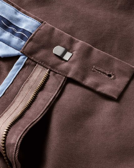 Brown classic fit single pleat chinos