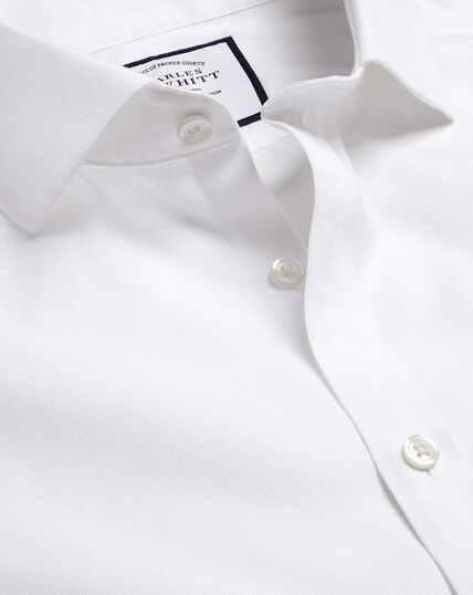 Bügelfreies Hemd in Ludgate-Webart mit Haifischkragen - Weiß
