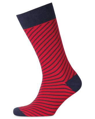 Socken mit diagonalen Streifen in Rot