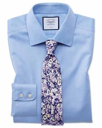 Bügelfreies Slim Fit Hemd aus Triangle Gewebe in Himmelblau