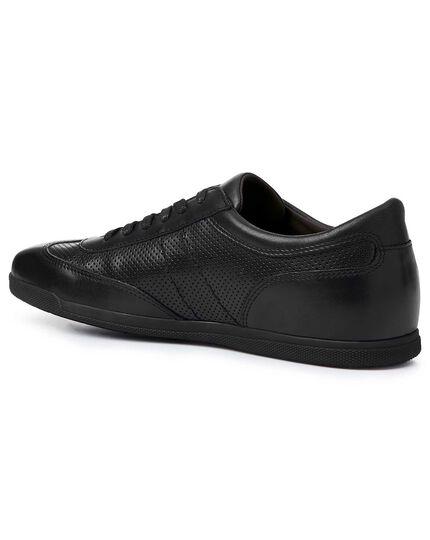 Black smart sneakers