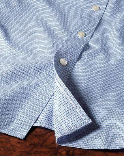 Chemise bleu moyen texturée coupe droite à carreaux sans repassage