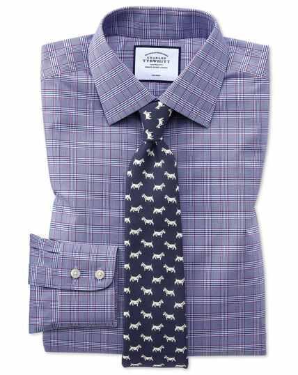 Bügelfreies Slim Fit Hemd mit Prince-of-Wales-Karos in Beerenrot und Marineblau