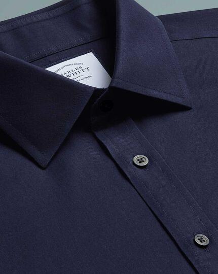 Bügelfreies Classic Fit Twill-Hemd in Marineblau