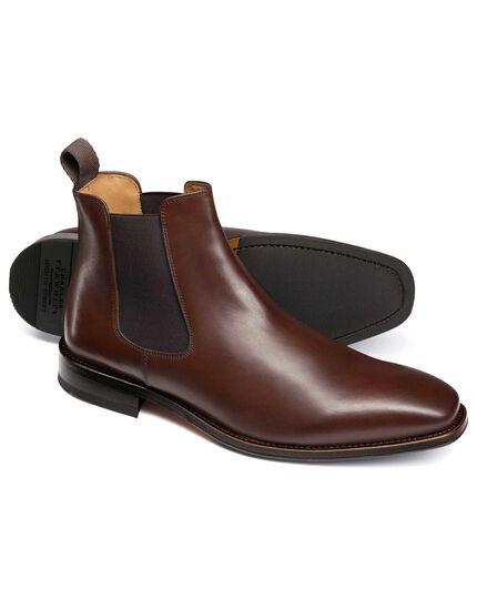 Millbrook Chelsea Boots in Braun