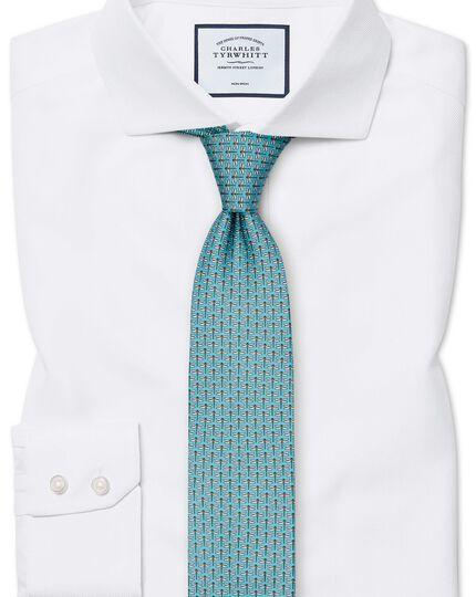 Bügelfreies Slim Fit Hemd mit Haifischkragen in Weiß mit Fischgrätmuster