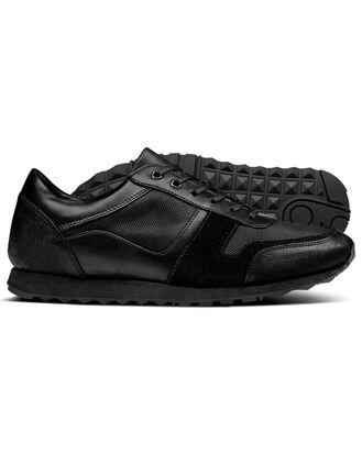 Sneakers in Schwarz