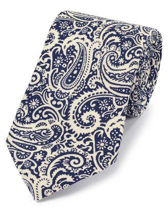 Cravate bleu marine et blanche en luxueuse soie anglaise avec imprimé cachemire