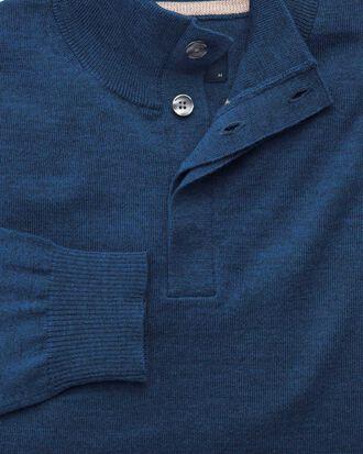 Merino Pullover mit Knopfkragen in Mittelblau