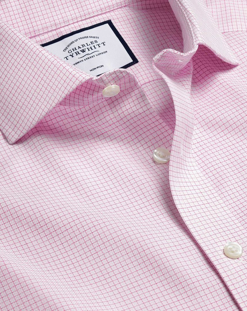Bügelfreies Hemd aus Stretch-Baumwolle mit Haifischkragen und Karos - Rosa