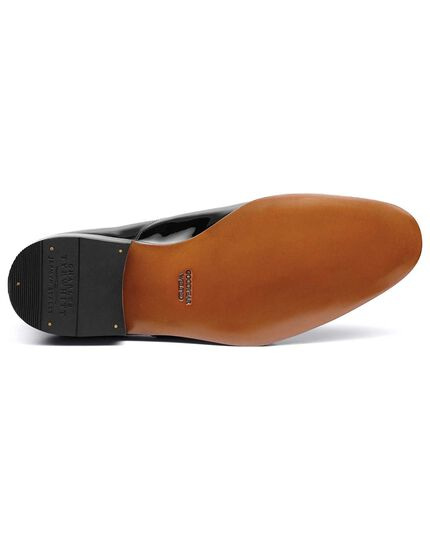 Black patent Oxford shoe