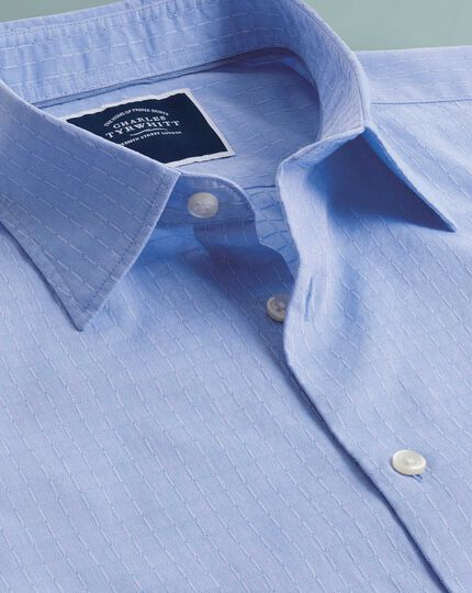 Chemise bleue slim fit légèrement texturée à carrés et manches courtes