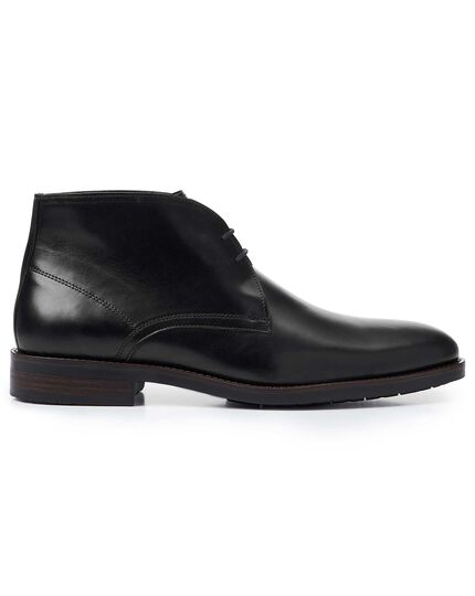 Black performance chukka boots