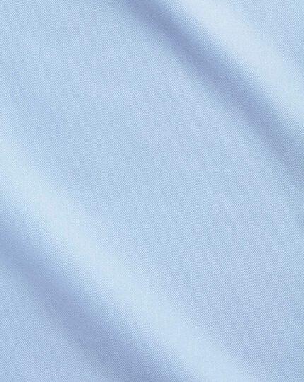 Slim fit sky blue non-iron twill cutaway collar shirt