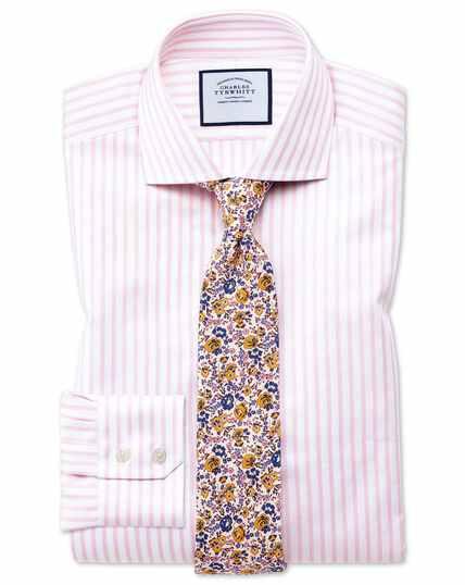 Chemise rose et blanche en tissu texturé slim fit à col cutaway et rayures