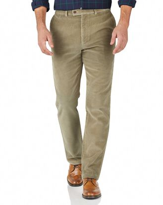 Slim Fit Jumbo Cordhose in Hellbraun