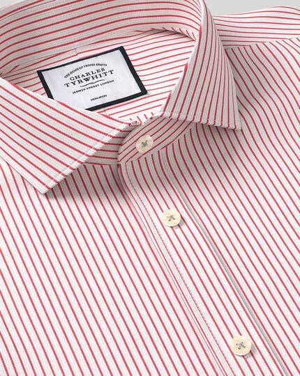 Bügelfreies Hemd aus Dobby-Gewebe mit Haifischkragen und Streifen - Rot