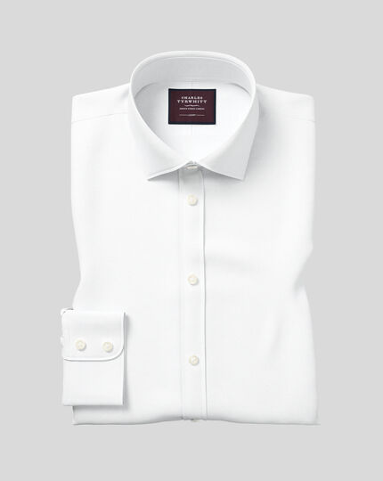 Classic Fit Twill-Luxushemd mit Semi-Haifischkragen in Weiß