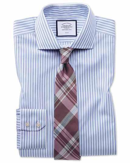Bügelfreies Extra Slim Fit Hemd mit Schattenstreifen in Himmelblau