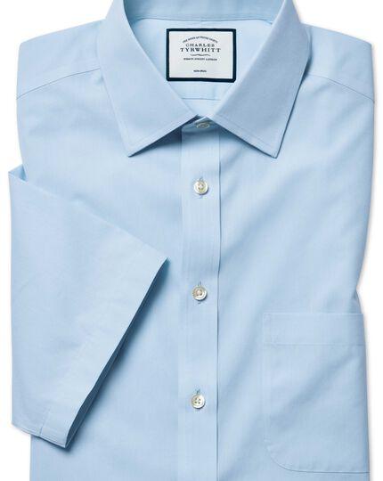 Chemise bleu ciel en Tyrwhitt Cool coupe droite à manches courtes sans repassage