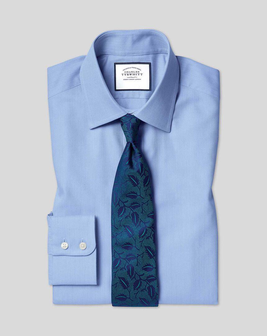 Hemd aus ägyptischer Baumwolle mit Kent Kragen und Fischgrätmuster - Himmelblau