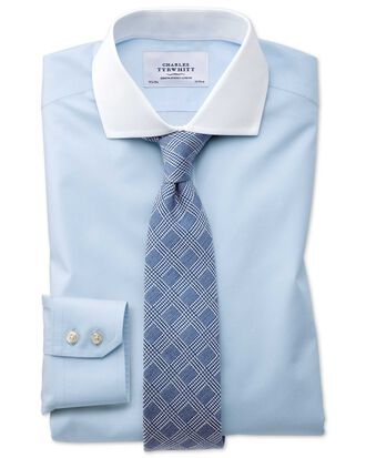Bügelfreies Slim Fit Winchester Hemd mit Haifischkragen in Himmelblau