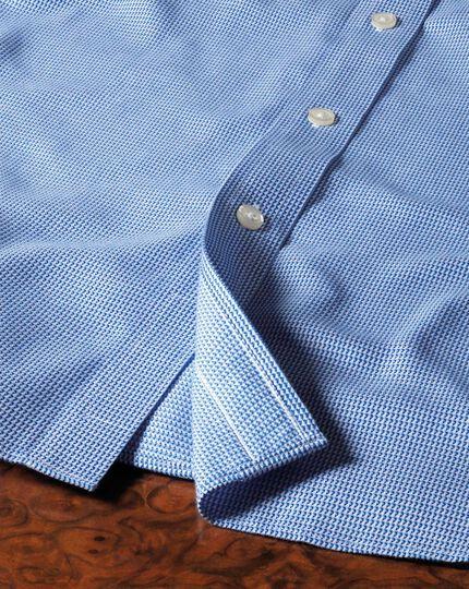 Bügelfreies Extra Slim Fit Hemd mit Haifischkragen in Königsblau mit strukuriertem Dreieckmuster